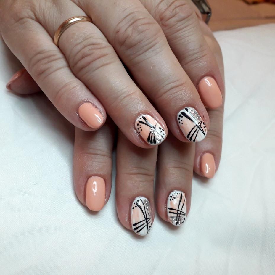 Lale Nails Stylizacja Przedłużanie Paznokci Żuczy Tusz tattoo tatuaż watercolor blackwork sketch neotraditional CHEZ Laserowe usuwanie tatuażu Laserowe usuwanie tatuaży Gdynia Trójmiasto Studio Tatuażu